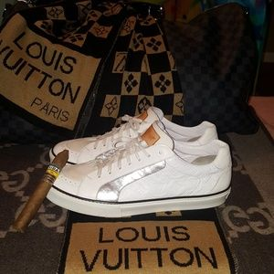 Louis Vuitton Shoes - Low Top Men Sneakers